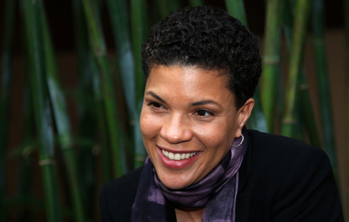 The 50-year old daughter of father (?) and mother  Sandra Alexander, 171 cm tall Michelle Alexander in 2018 photo